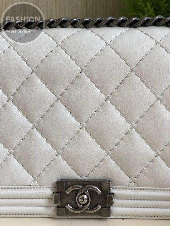 16834f866c1a Кожаная Сумка Chanel Boy white – Комиссионный магазин – Original Fashion